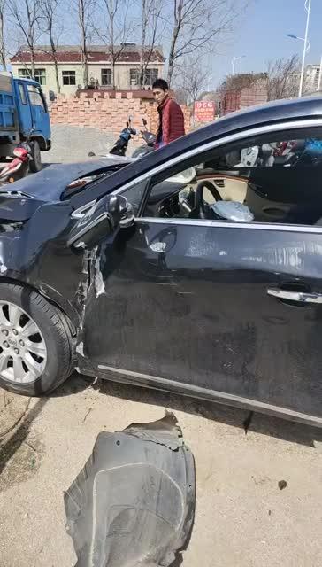 阜宁城北发生一起严重交通事故!有人受伤!